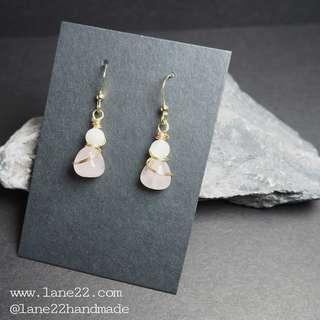 🚚 Rose quartz with shell beads handmade earrings