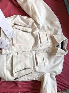 Unbreakable 外套 邱吉爾 白色多袋 全新未剪牌  size s 如聯合其他產品購買可享優惠