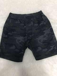 Uniqlo shorts 3-5y