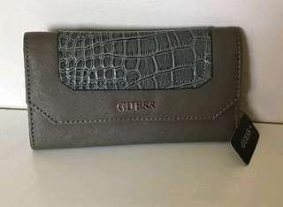 Orig Guess Wallet (with minor defect)