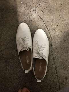 🚚 小白鞋