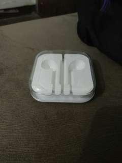 Tempat headset iphone