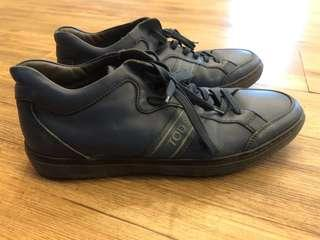 TOD'S - (8 1/2) Classic sneaker - full leather/ blue