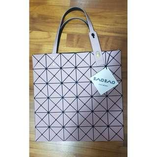Lucent Frost Tote -BAO BAO ISSEY Miyake 40514fb73d6d1