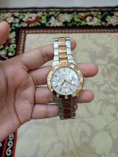 Preloved Jam Tangan Guess
