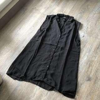 H&M sleeveless shirt black