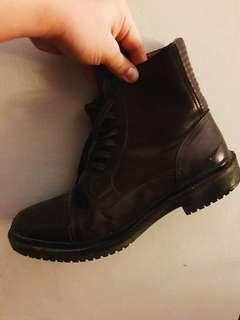 Zara men's leather boot
