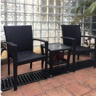 戶外扶手椅 x 2 + 茶几 (崁入式玻璃) x 1