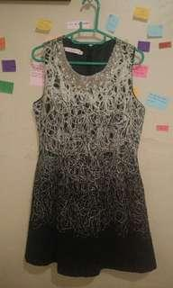 Mini Dress Hitam Motif