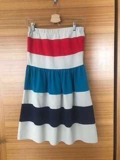 Strapless Neckline Kling Dress