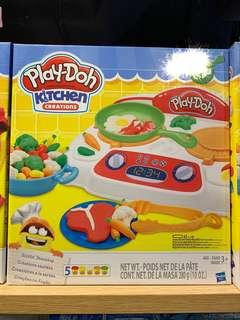Play Doh kitchen cooking set