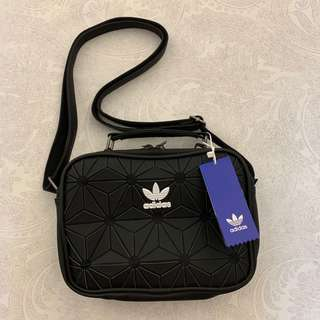 AUTHENTIC, BRAND NEW  Adidas 3D Airliner Sling Bag a969b01f8b