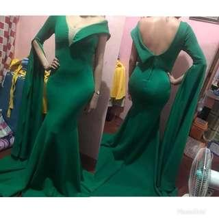 For rent: Emerald Green Gown