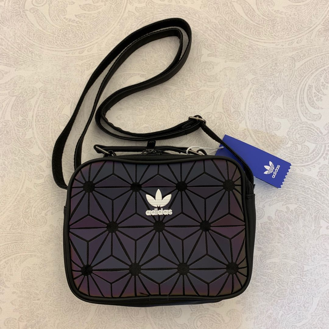 f8796301a9 AUTHENTIC  Adidas 3D Airliner Sling Bag (black iridescent ...