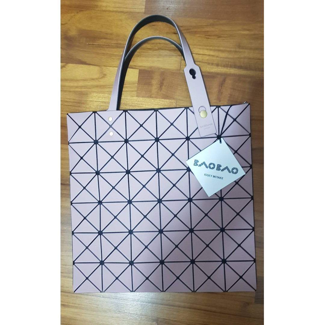 Lucent Frost Tote -BAO BAO ISSEY Miyake 35d06b27d9d83