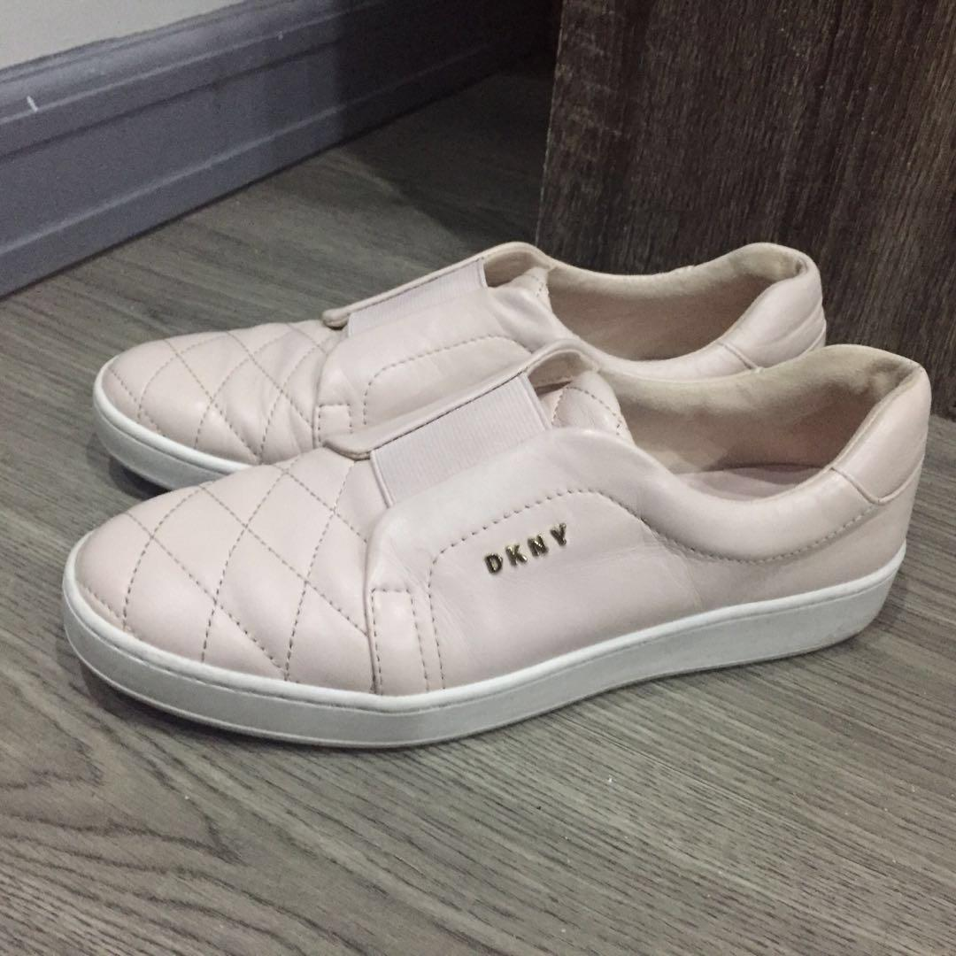 DKNY slip on sneakers quilted leather