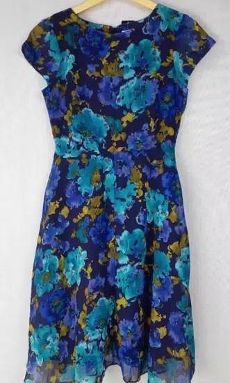 Dress bunga Karin Stevens