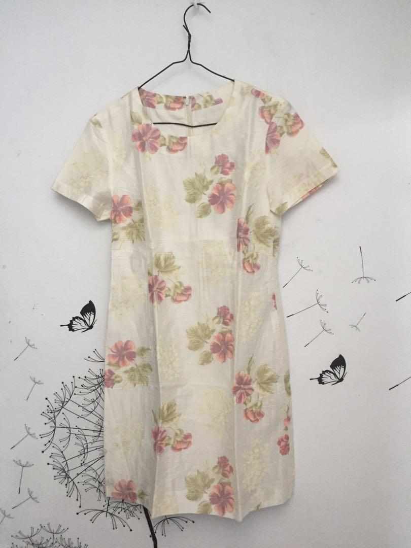 FLOWERY OFF WHITE DRESS