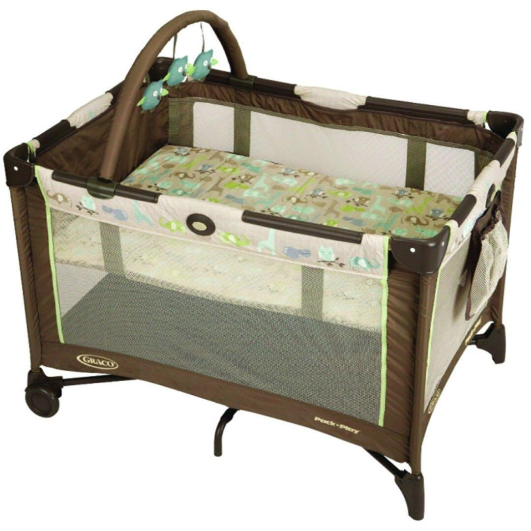 Graco Pack-and-Play On-The-Go Playard (Forest Friends, Brown) in good condition