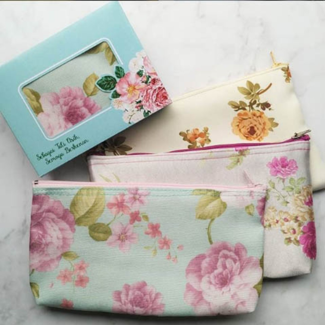 [PO] Custom Gifts - Floral Canvas Pouch + Customised Box (Individual Order  Welcome)