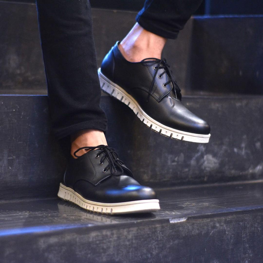 Sepatu Casual Pria Pastor Black d4452b01c1