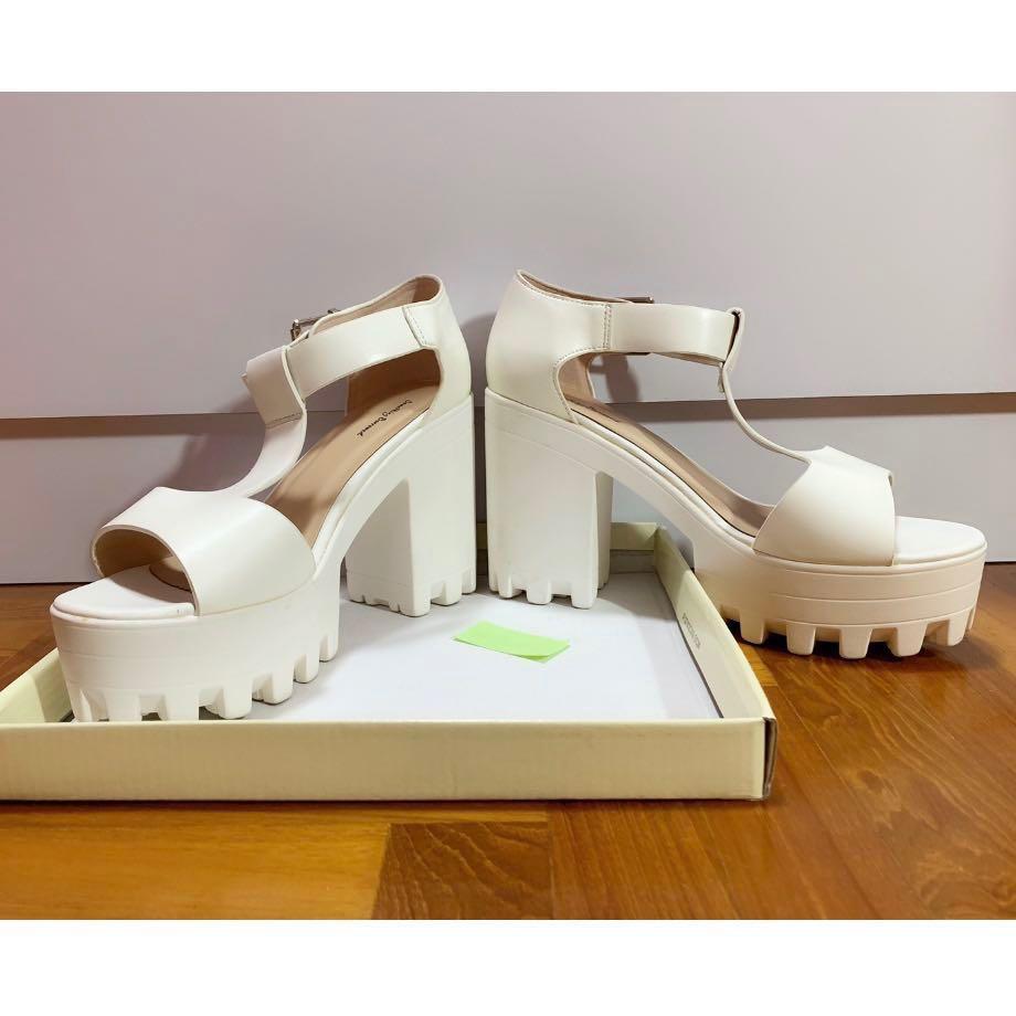 431f54fa18b Something Borrowed White Platform Chunky Heel (EU39)