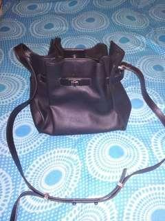 Sling Bag Hitam (Reprice)