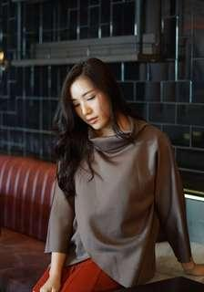 Brown loose turtle neck