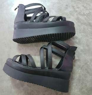 🚚 Sandal