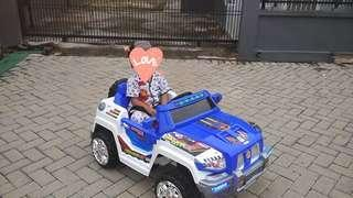 Mainan mobil aki anak/Battery powered kids ride