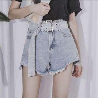 🚚 全新 高腰顯瘦牛仔短褲 淺藍色