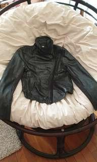 🚚 DKNY leather jacket
