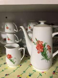 VINTAGE Teacup Set