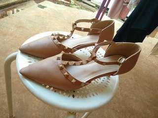 Buy 1 get 1 Shoes heels size 40 choco stud