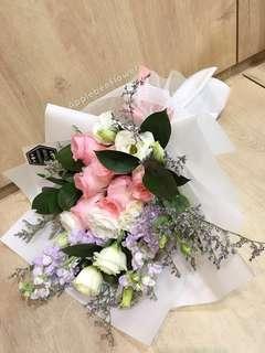 🚚 Rose flower bouquet
