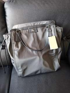 🚚 Burberry Nylon Buckleigh Packable Tote