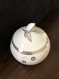 🚚 Porcelain Sugar Bowl