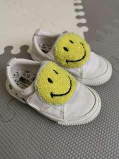 #MFEB20 ZARA baby shoes - emoji (white)
