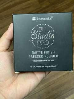 BH studio pro matte finish press powder