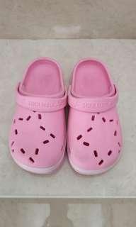 Sandal Cotton On Pink