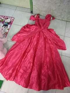 Dress prewed atau pesta