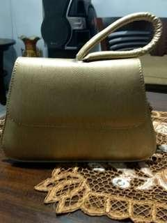 Sling bag or clutch