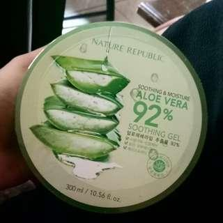 Nature Republic Aloevera soothing& moisture gel