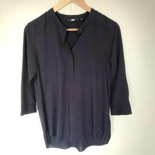 🚚 Uniqlo Rayon Navy Blue 3/4 Sleeve Blouse