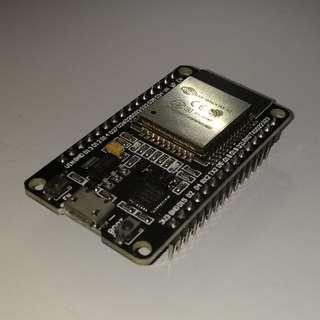 ESP32 DevKit V1 Module (with ESP-WROOM-32 & CP2102 USB to UART)