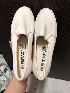 🚚 白 包鞋尺寸:39/24.5