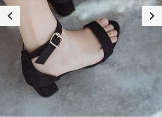 Mid heels strap sandals