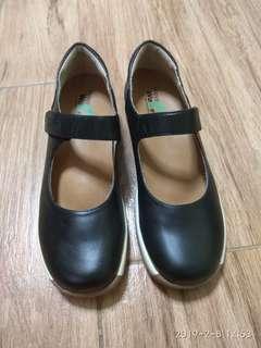 全新黑色女裝皮鞋