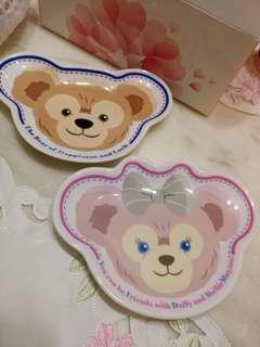 🚚 Duffy 日本迪士尼正版點心盤兩個一起不分售噢