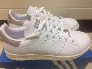 Adidas 女白鞋